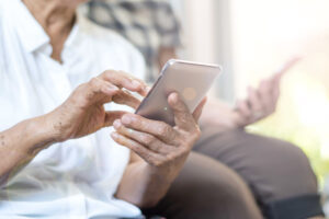 Bay Ridge Center helps seniors in brooklyn use technology during COVID-19